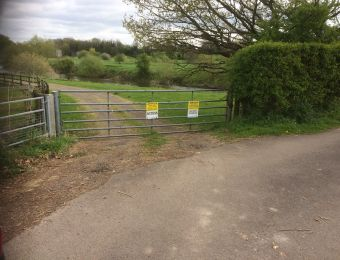 03 - Gate from track to fishery
