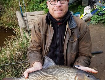 What's being caught here! - Autumn 2016. This was the biggest 6¾lb of 2 barbel at Fladbury below the bridge, on halibut pellets.  Dave Wilkes.